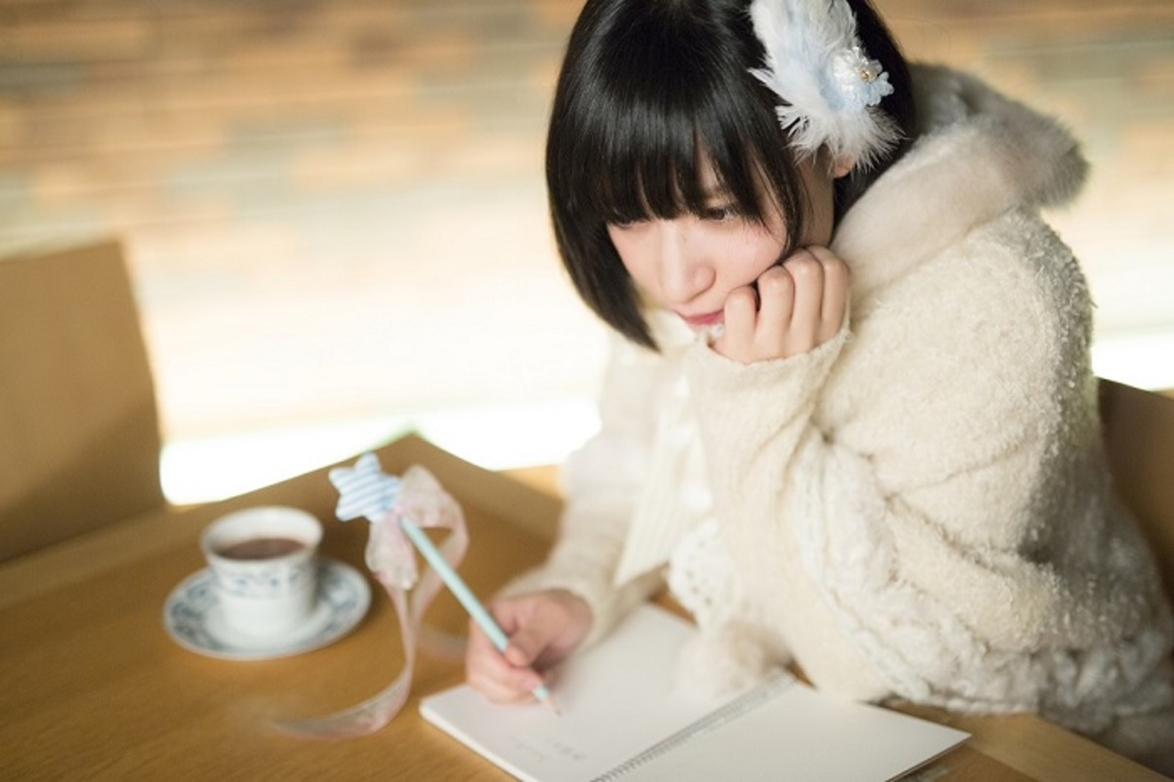 ポエムコアアイドル・owtn.が選ぶ「超絶かわいい!2.5次元女子の本」