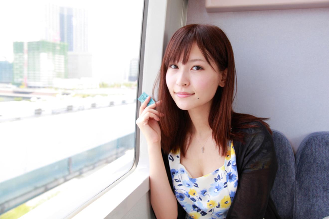 夏目百合子が選ぶ「とことん淋しくなるための4冊」