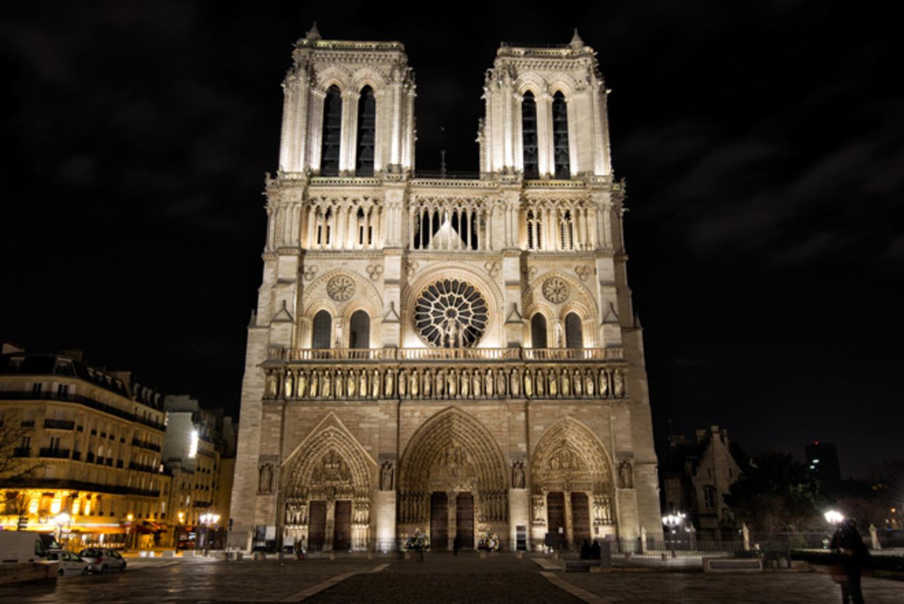パリに10年間住んでいたわたしが選ぶ、パリ紹介本