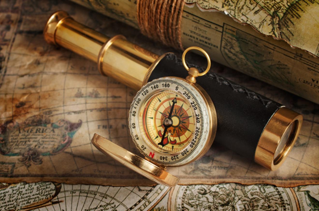 「海賊の真実」が隠された本棚