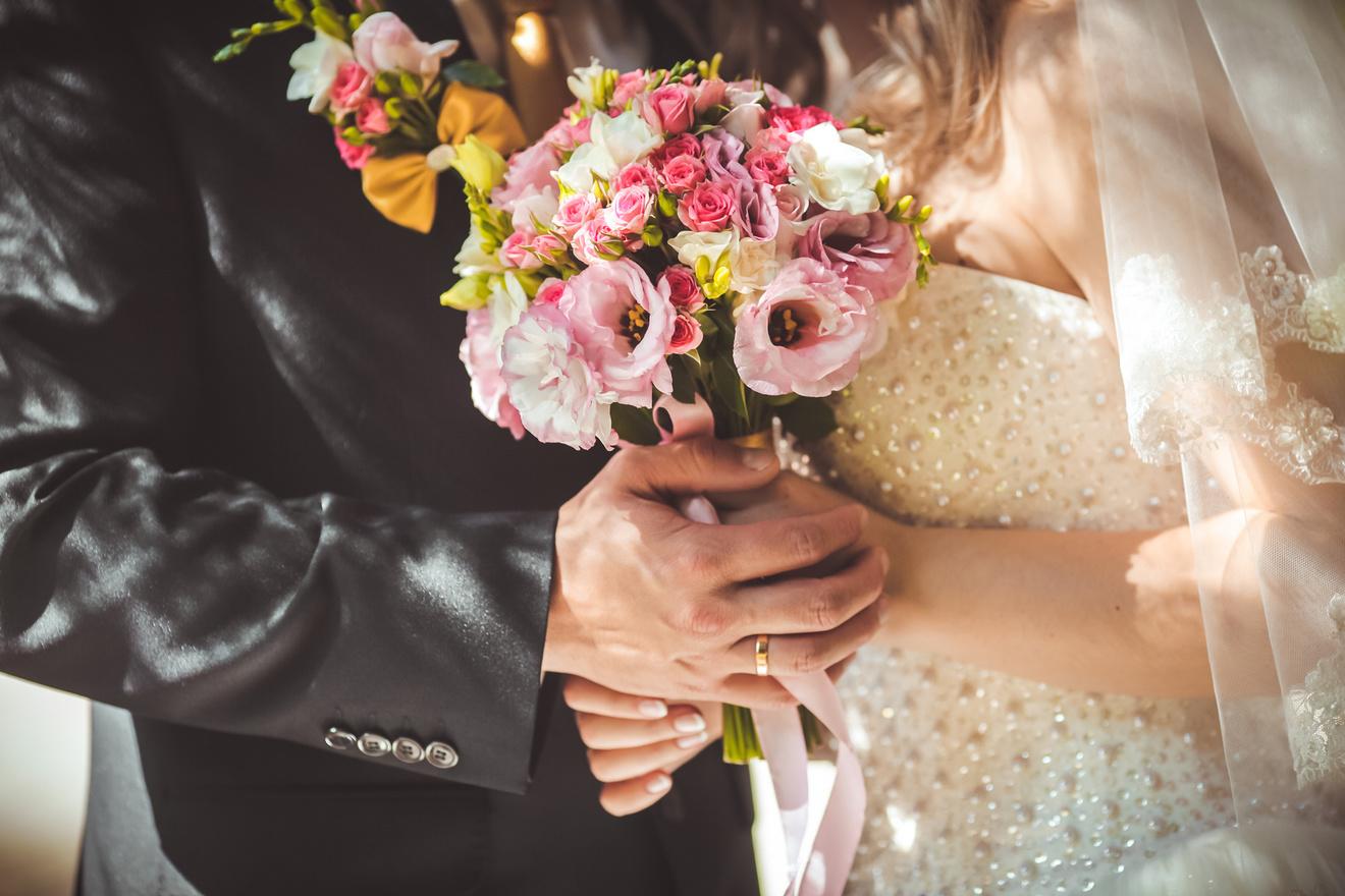 山内マリコおすすめ作品ランキングベスト5!結婚?悩める女性、必読です。