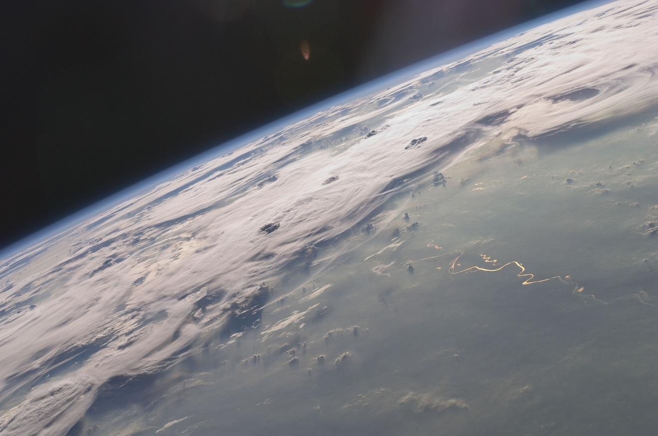 NASAの人工衛星が気象予報に革命を起こす!