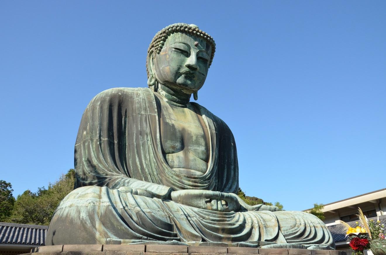 初心者にも分かりやすいおすすめの仏教入門本5選
