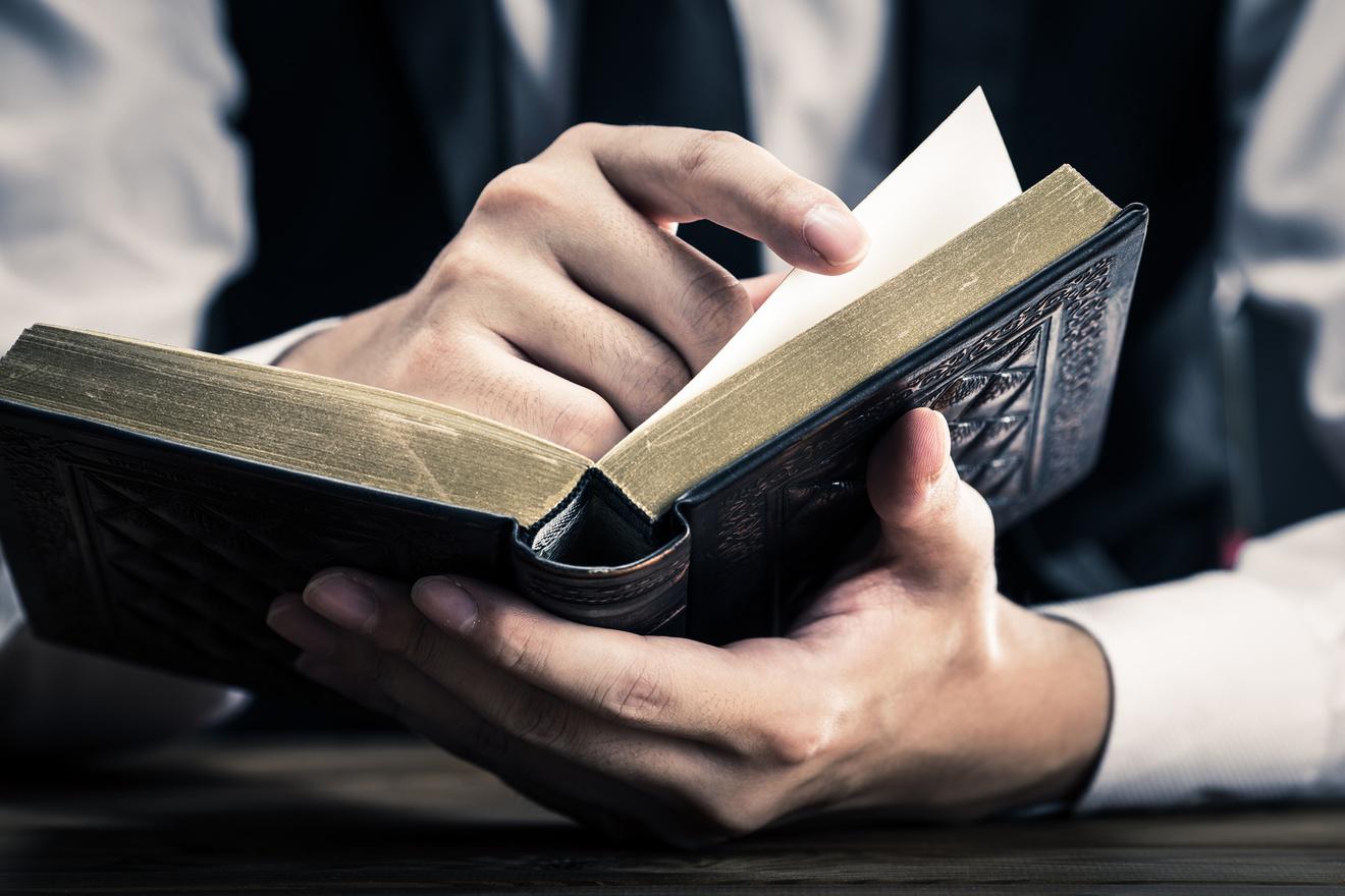 チェスタトンおすすめ作品4選!20世紀イギリス知識人の作品を読む