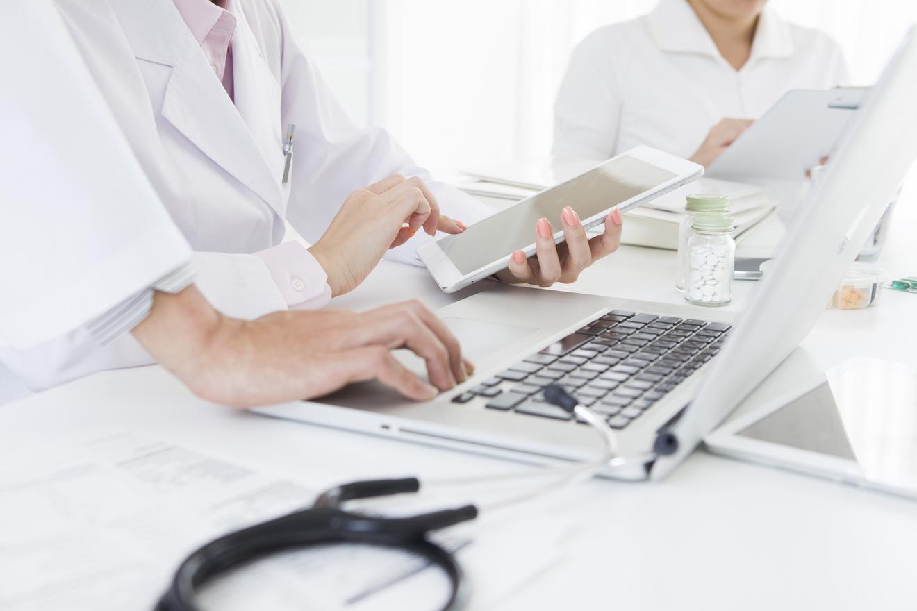 精神保健福祉士になるには?5分で分かる仕事内容や年収、試験についてなど
