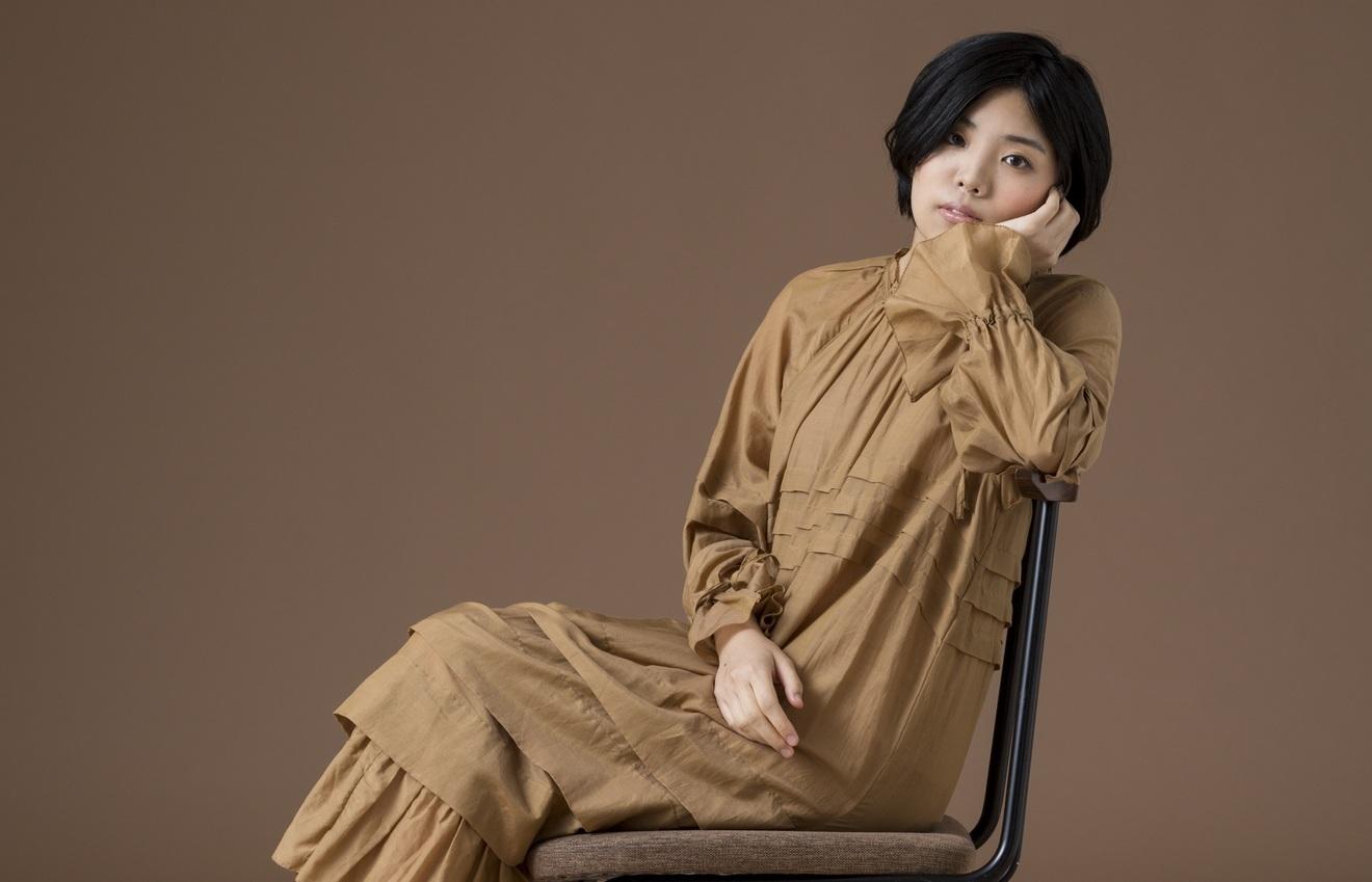 女優・青柳いづみの正体とは? 個性派女優・山中志歩が読んだ『いづみさん』