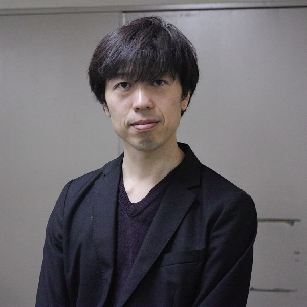 Writer yamauchi san square